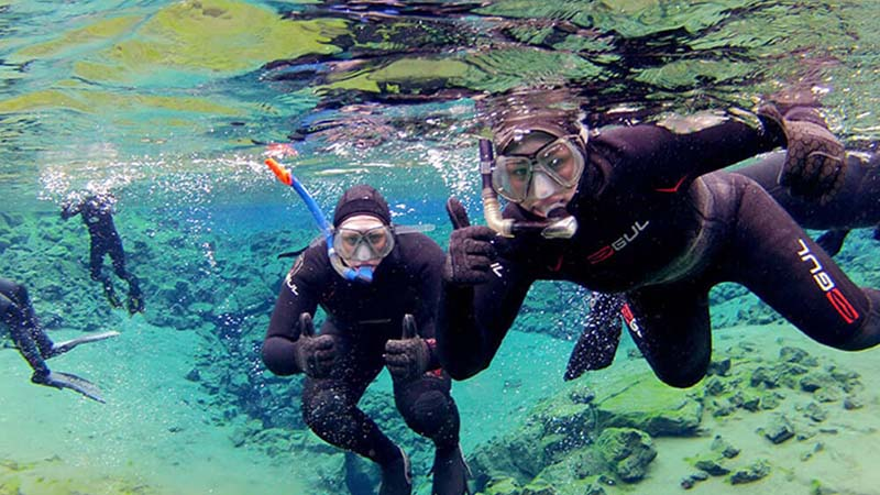 Best Womens Wetsuits for Scuba Diving and Snorkeling- 1