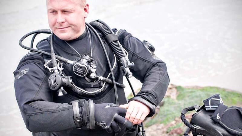 Best Dry Suit Boots for Scuba Diving