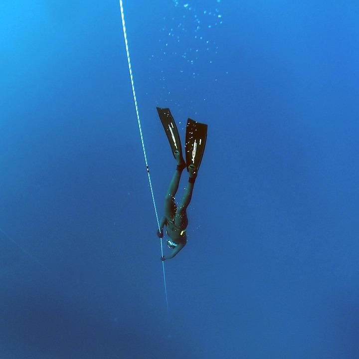 Image of free diving dangers