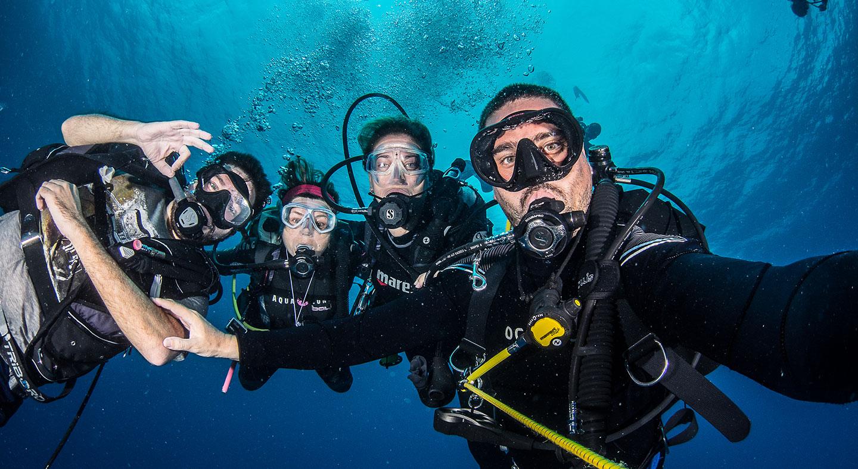 NAUI minimum age for diving