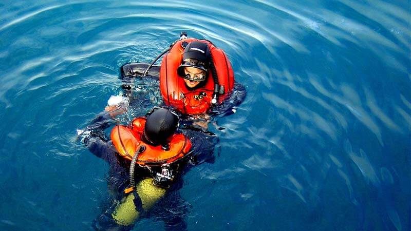 Why wear a life jacket for snorkeling