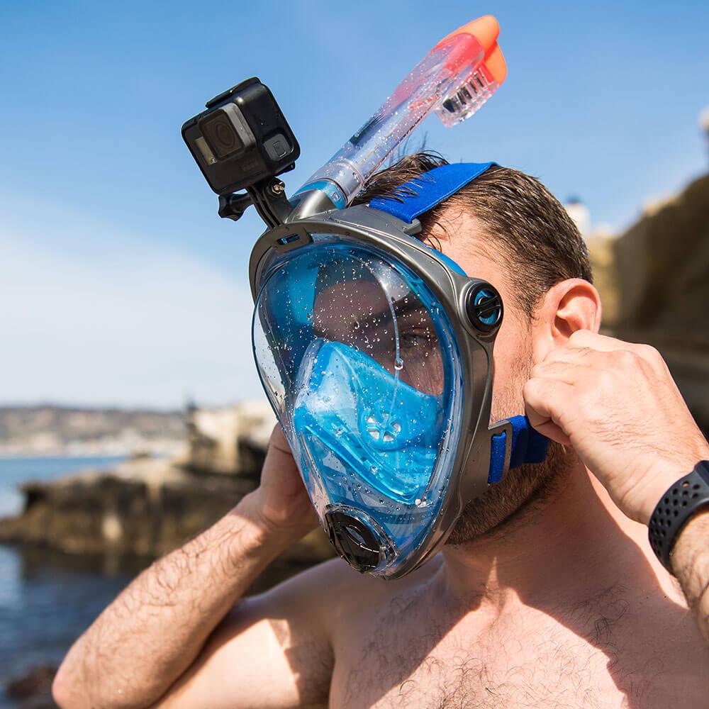 Snorkel mask or snorkeling goggles