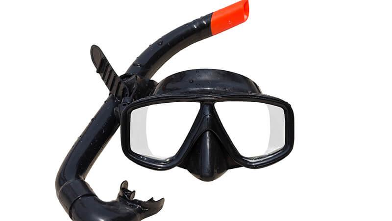 Choose a snorkeling mask