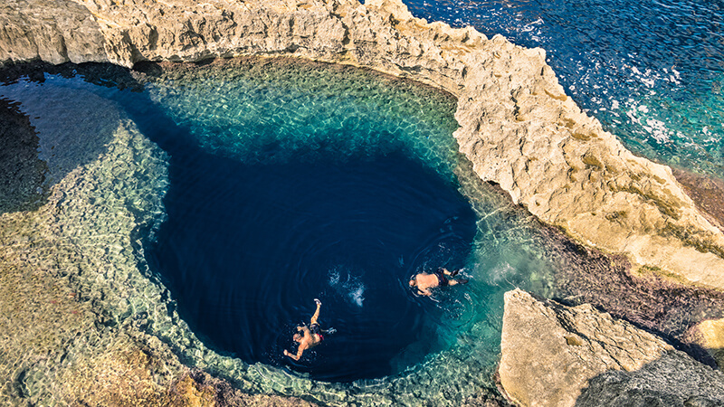 How to Go Blue Hole Diving
