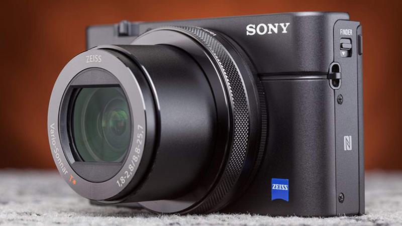 Sony Cyber shot DSC RX100 IV Design